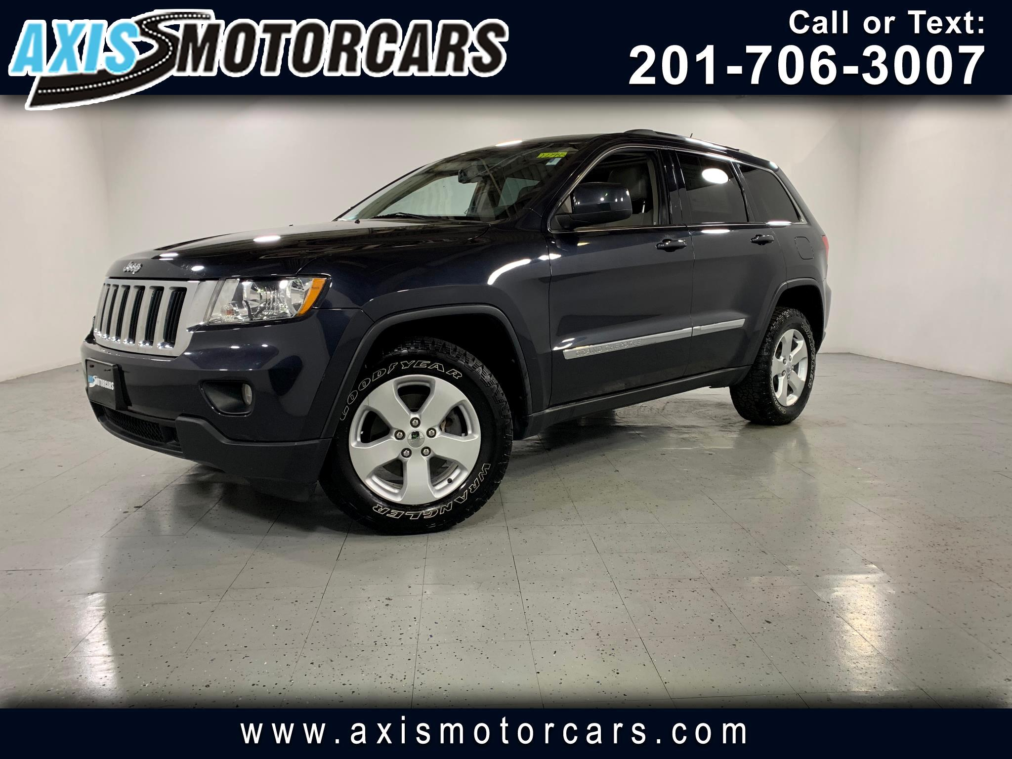 2012 Jeep Grand Cherokee w/Navigation Bakup Camera Panoramic Roof Leather
