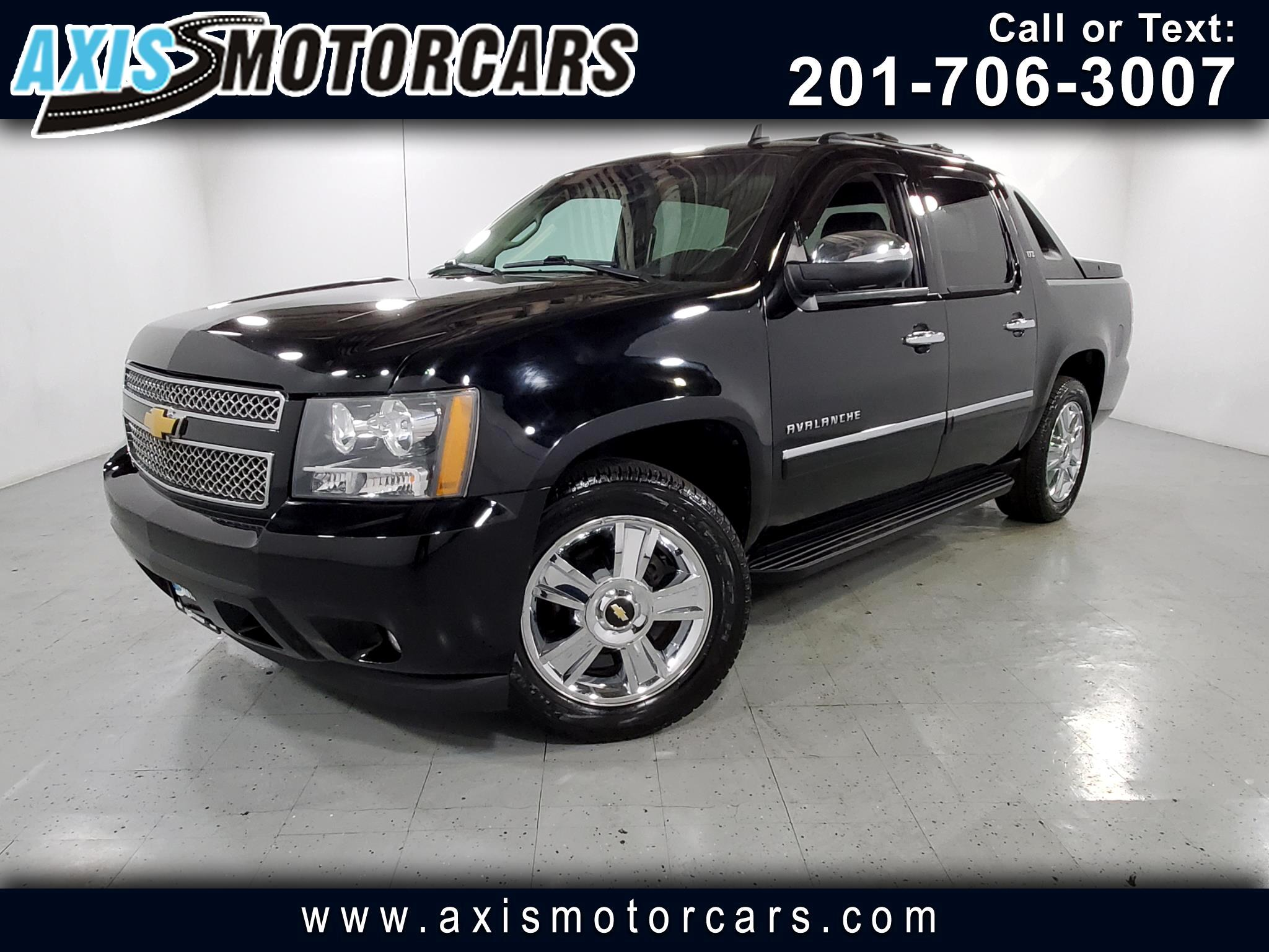 2010 Chevrolet Avalanche Crew Cab LTZ w/Sunroof Leather Rear Entertainment