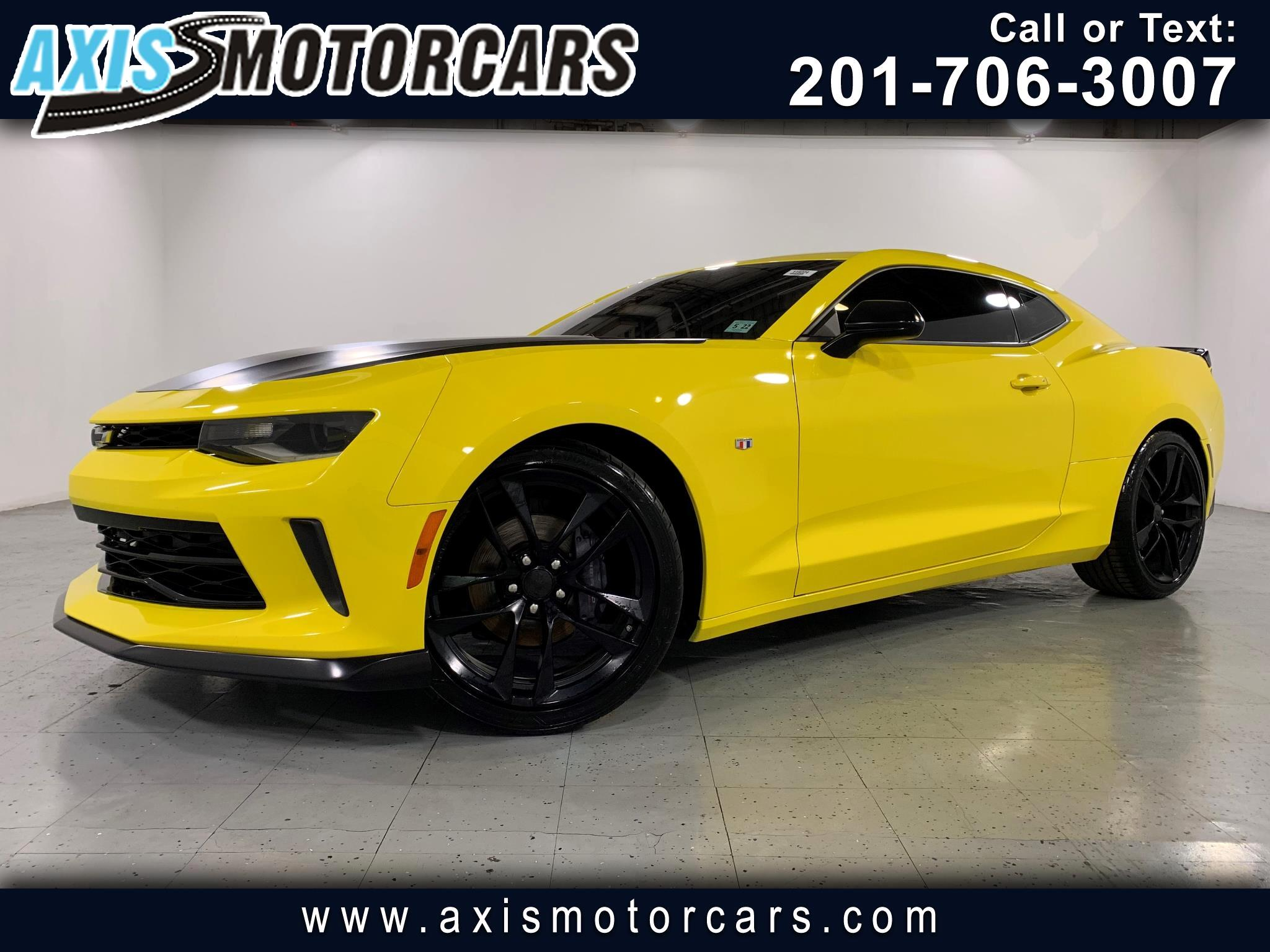2017 Chevrolet Camaro Coupe LT w/Navigation Backup Camera