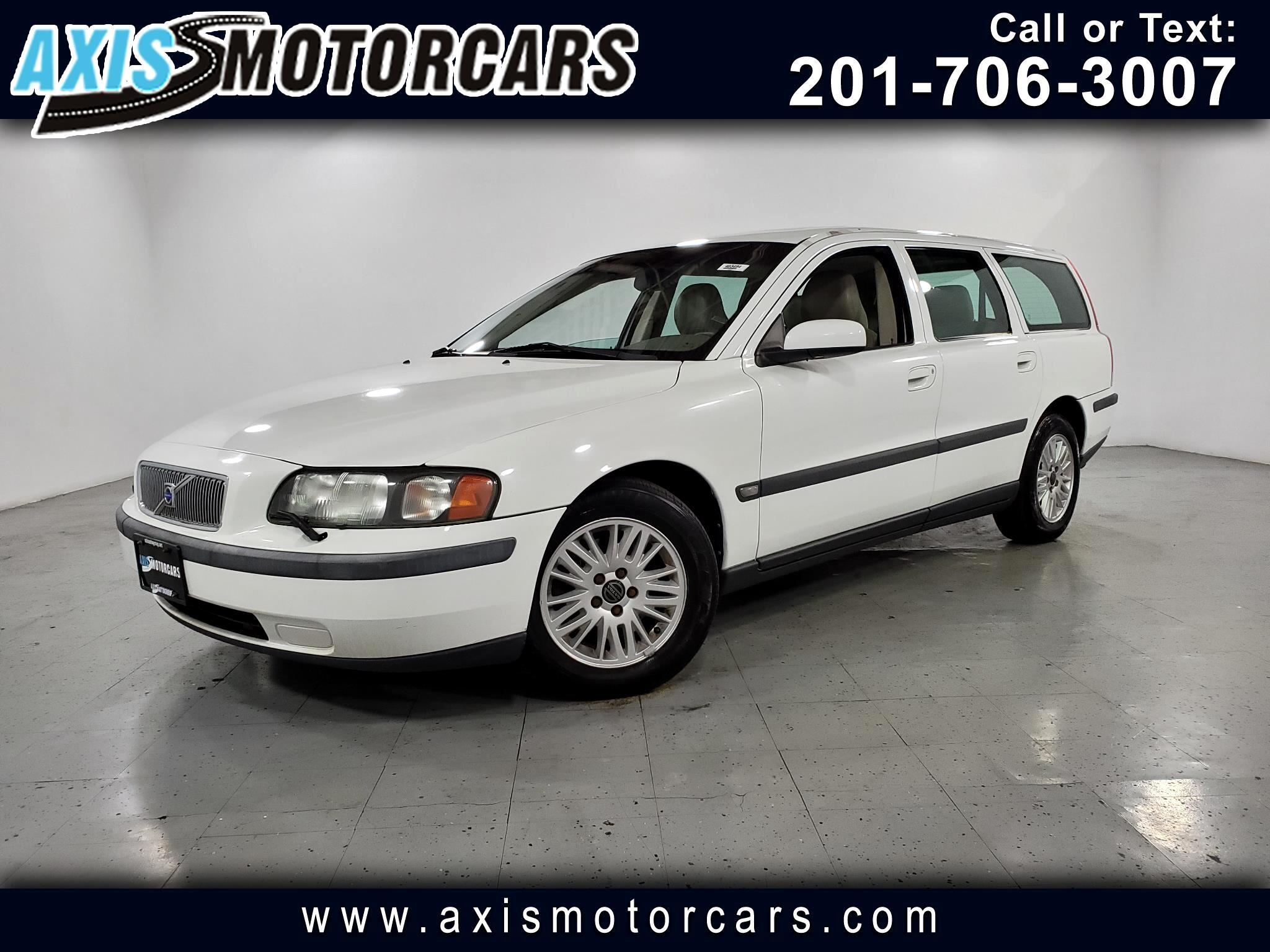 2004 Volvo V70 w/Leather Sunroof