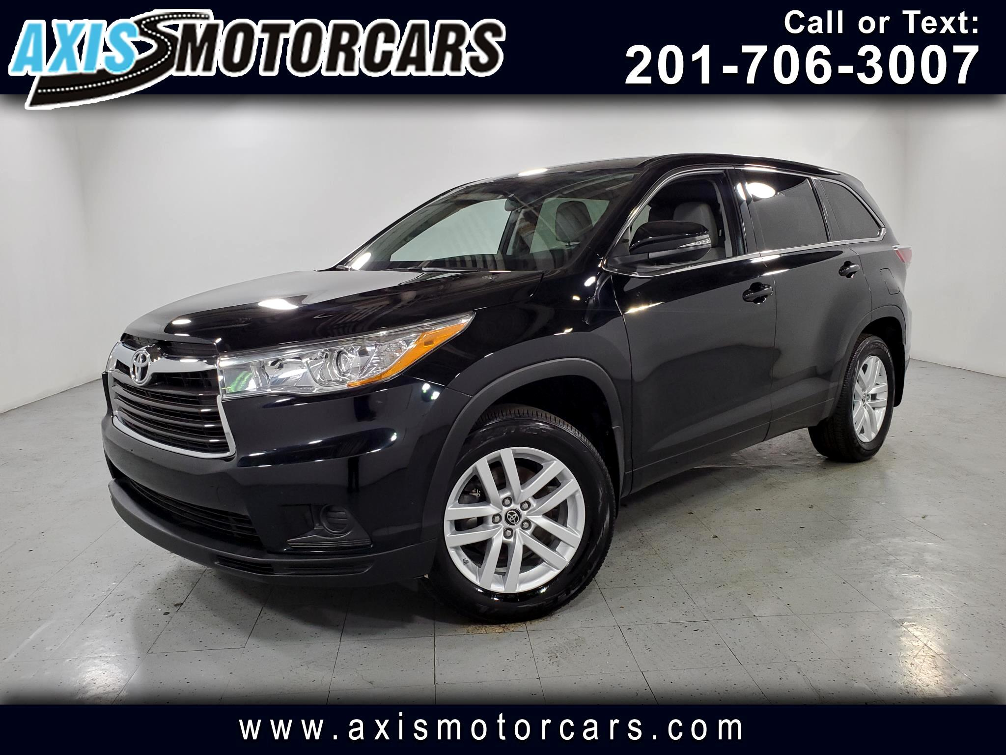2016 Toyota Highlander w/Navigation Backup Camera