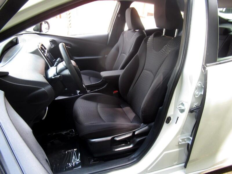 2016 Toyota Prius 5dr HB Two (Natl)