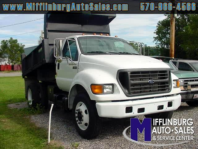 2001 Ford F-650 Regular Cab 2WD DRW