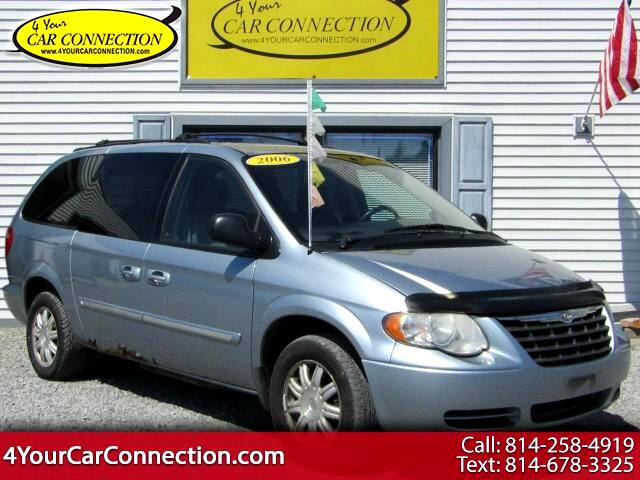 2006 Chrysler Town & Country Touring 7 Passenger