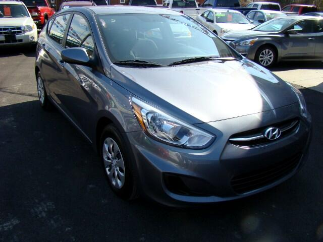 2016 Hyundai Accent SE 5-Door 6A