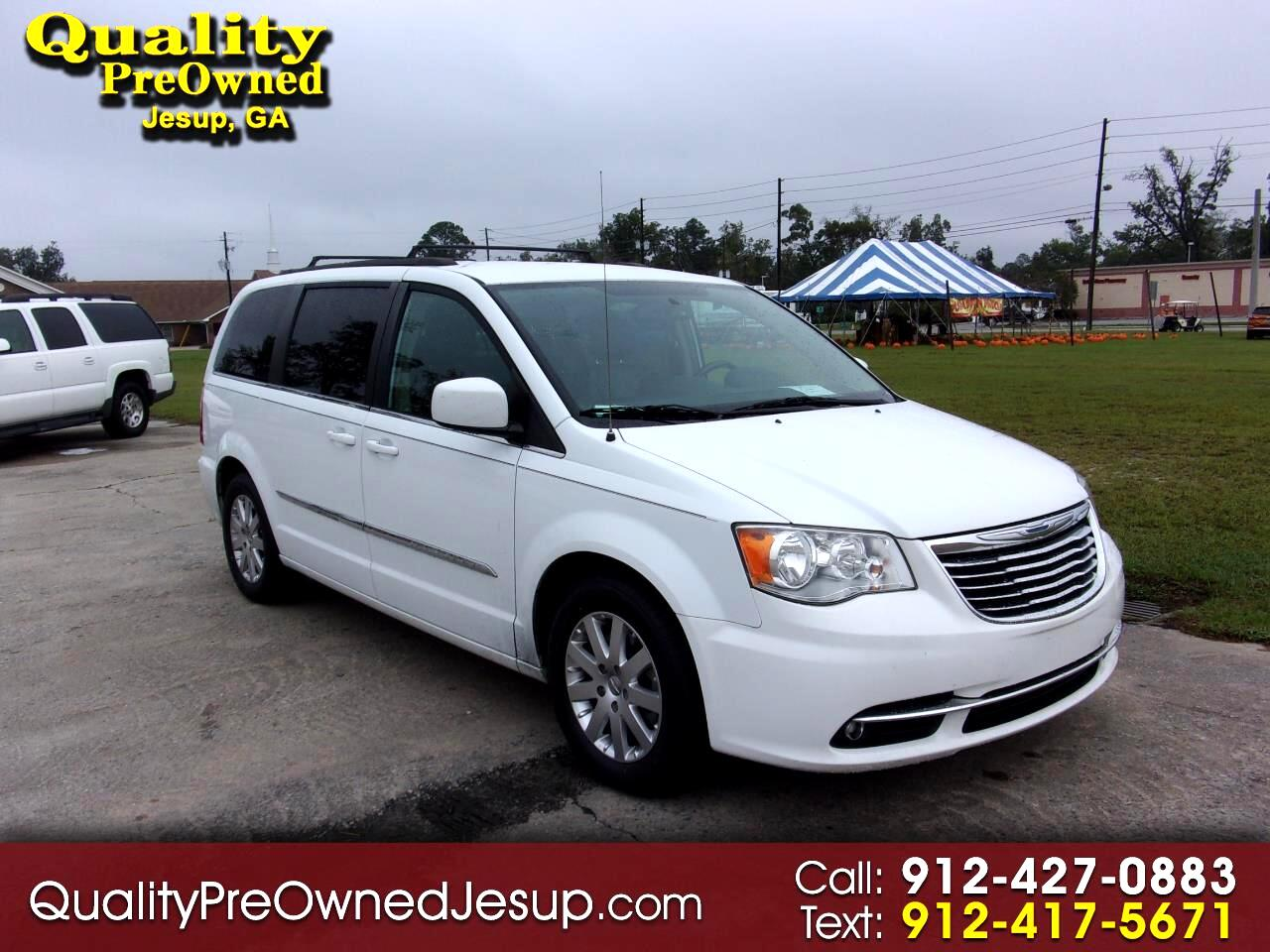 "Chrysler Town & Country 4dr 119"" WB Limited FWD 2015"