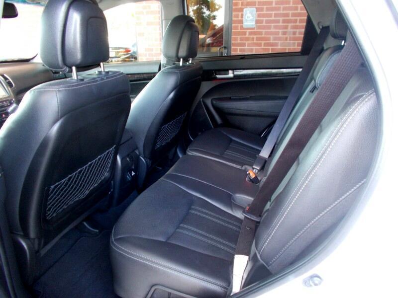 Kia Sorento 2WD 4dr V6 EX 2015