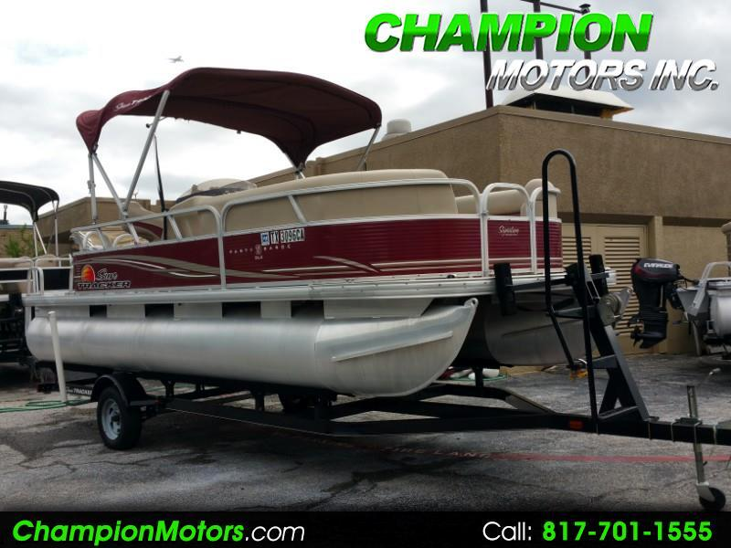 2013 Sun Tracker Party Barge 20 DLX Pontoon