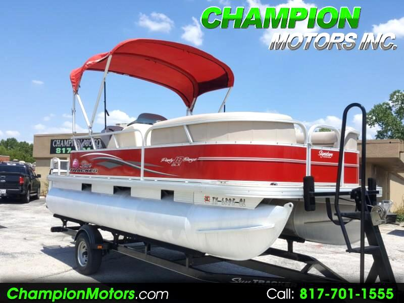 2015 Sun Tracker Party Barge 18 DLX Pontoon