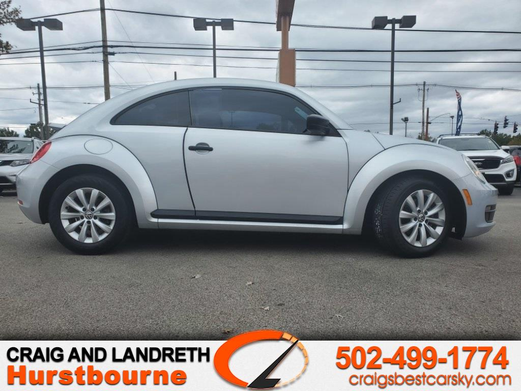 Volkswagen Beetle 2.5L w/Sunroof Sound & Nav 2013