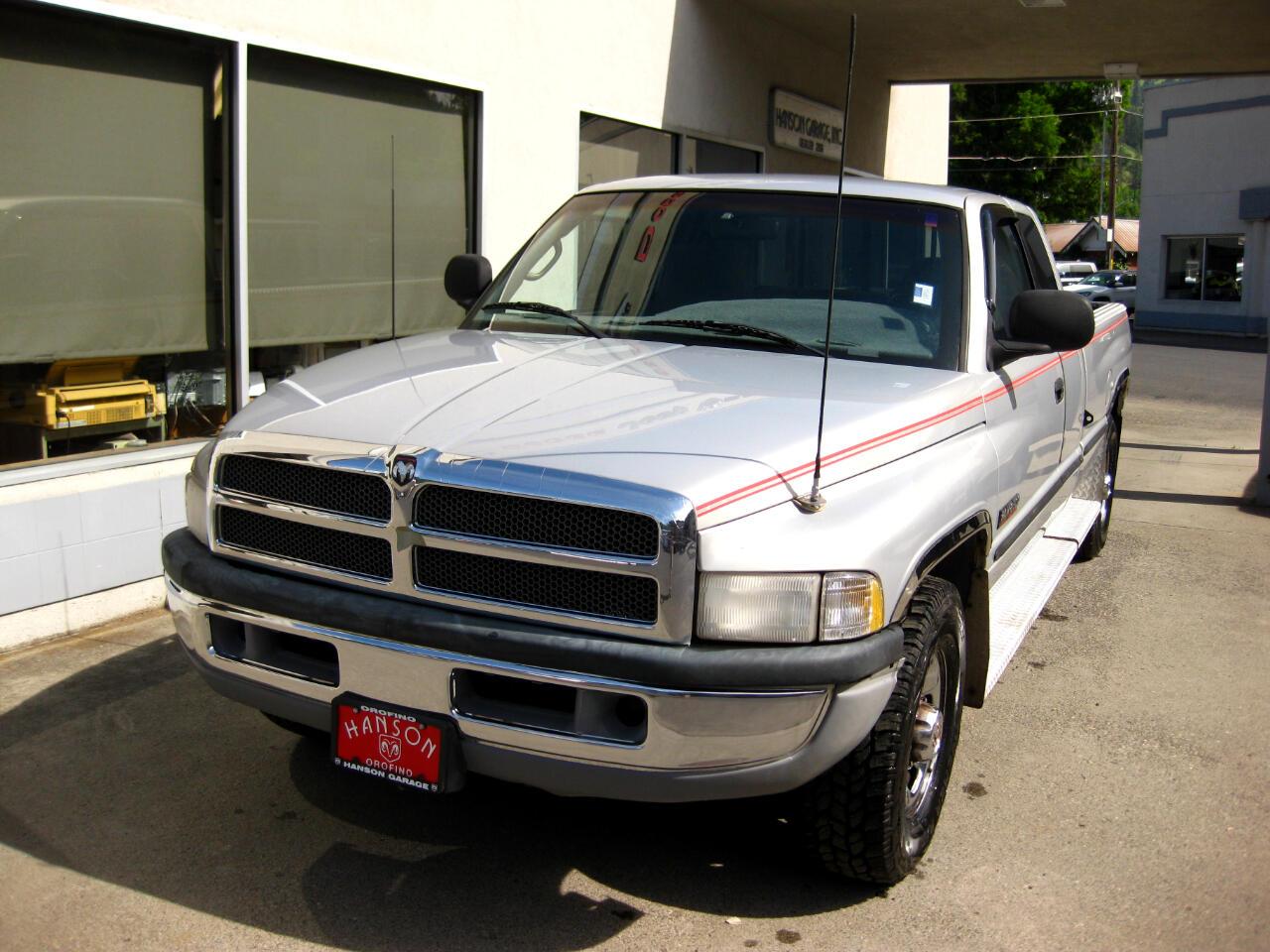 "1998 Dodge Ram 2500 4dr Quad Cab 139"" WB HD"