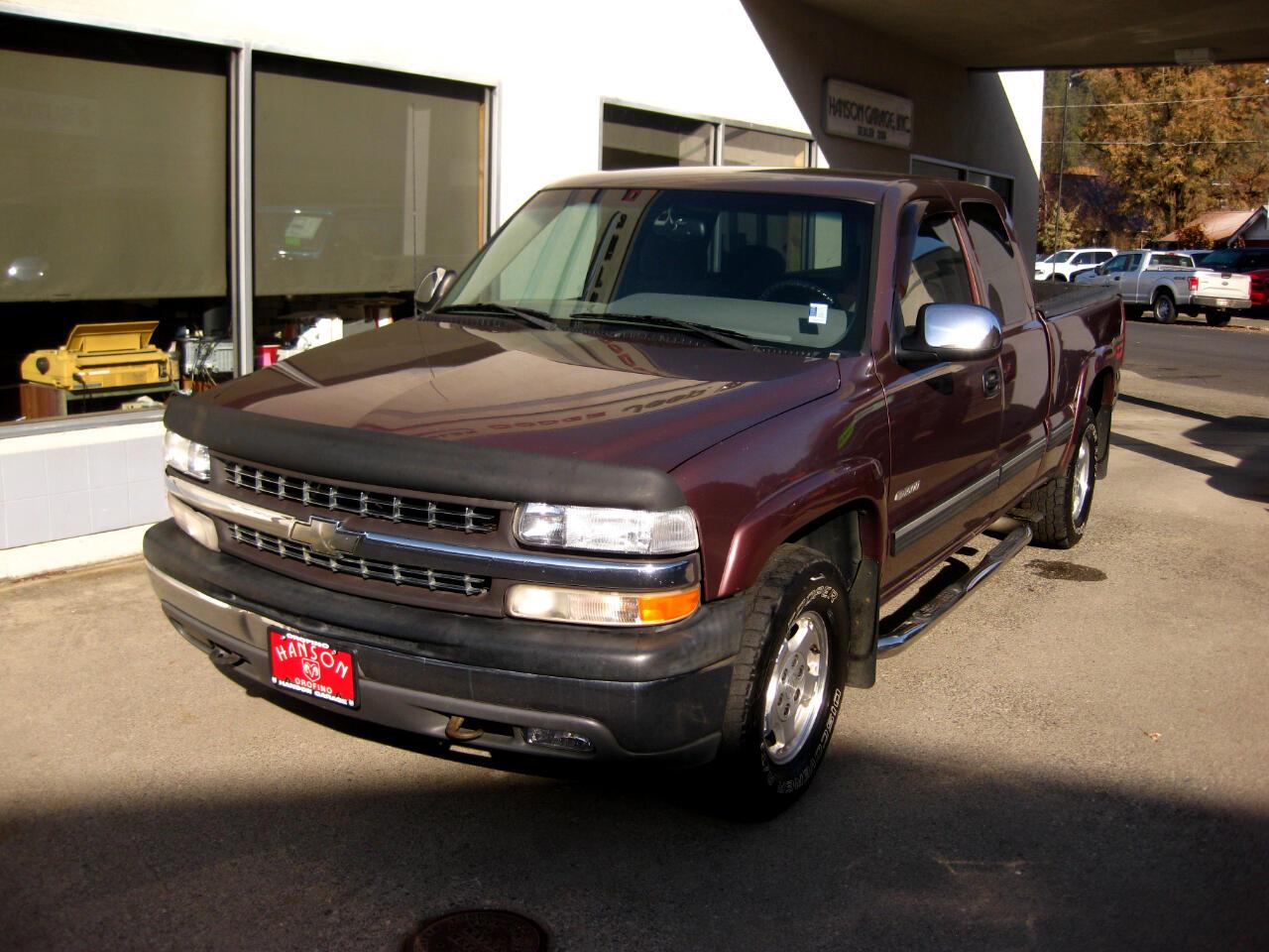 "2000 Chevrolet Silverado 1500 3dr Ext Cab 143.5"" WB 4WD LS"