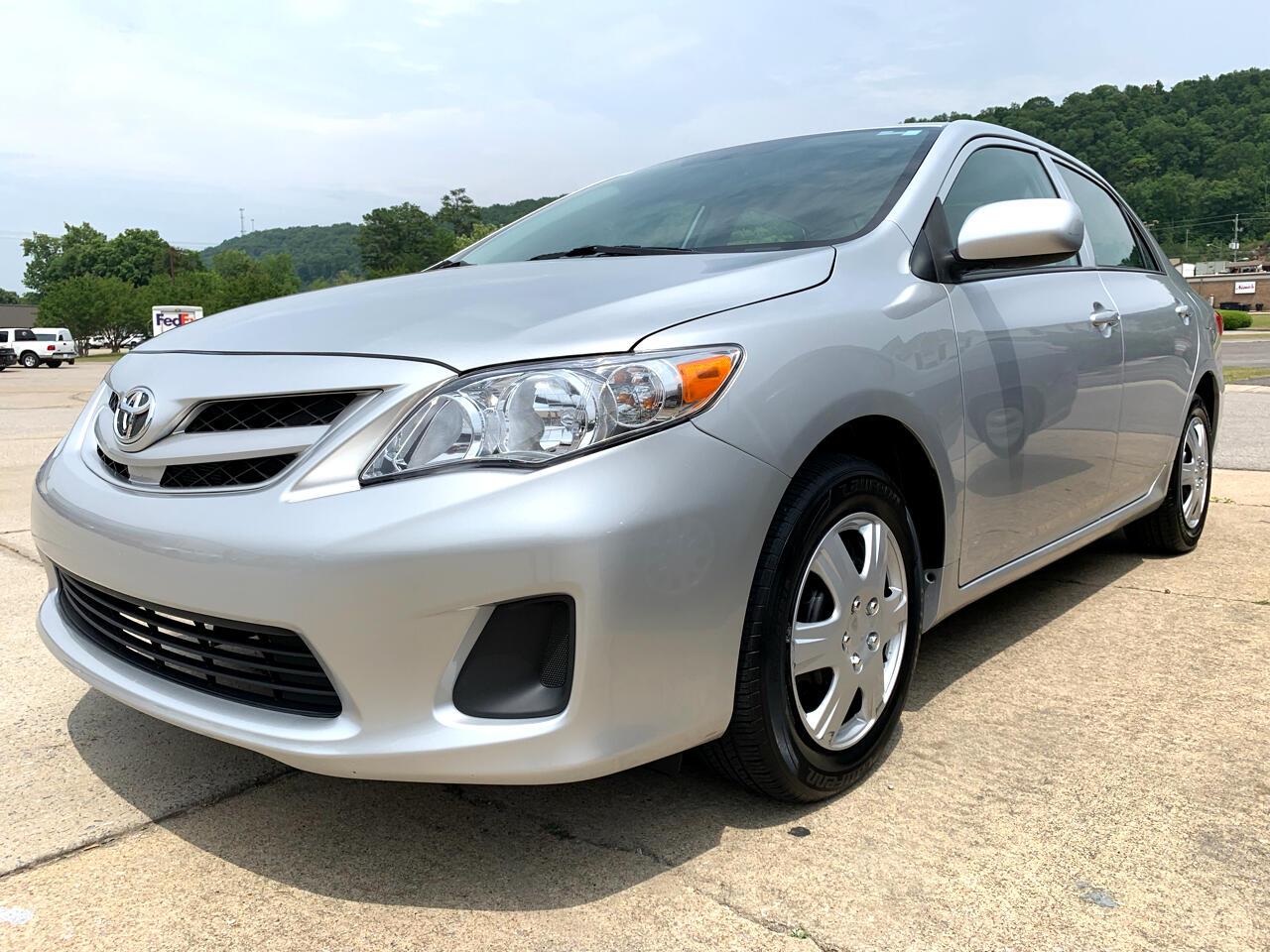 2013 Toyota Corolla 4dr Sdn Auto (Natl)