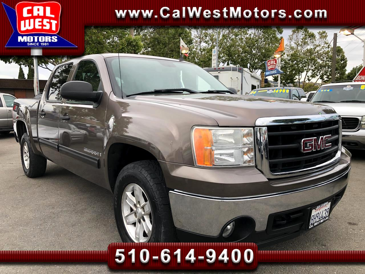 2007 GMC Sierra 1500 Crew Cab 4X4 Z-71 Crew Cab 4D 1Owner VeryClean GreatMtnce