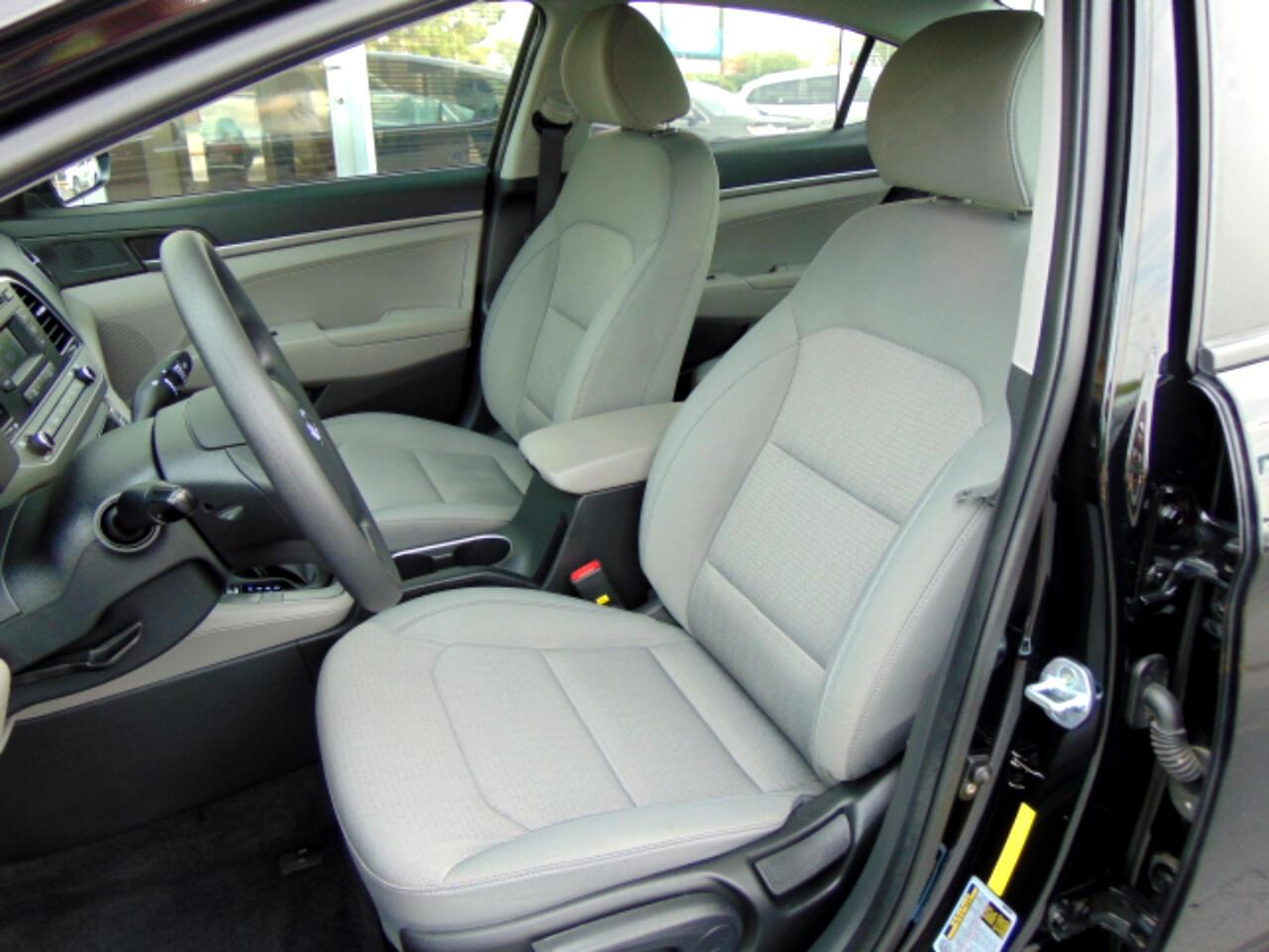 2017 Hyundai Elantra 4dr Sdn Auto SE PZEV