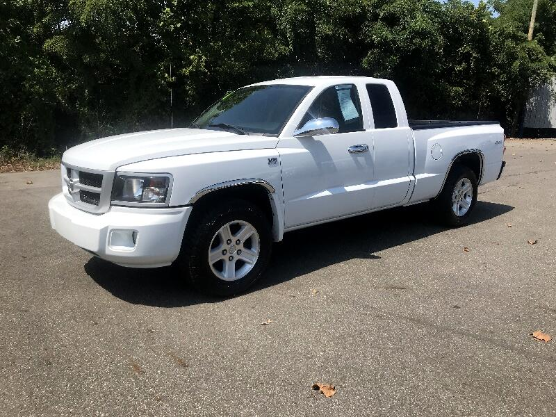 Dodge Dakota SLT 4WD 2011