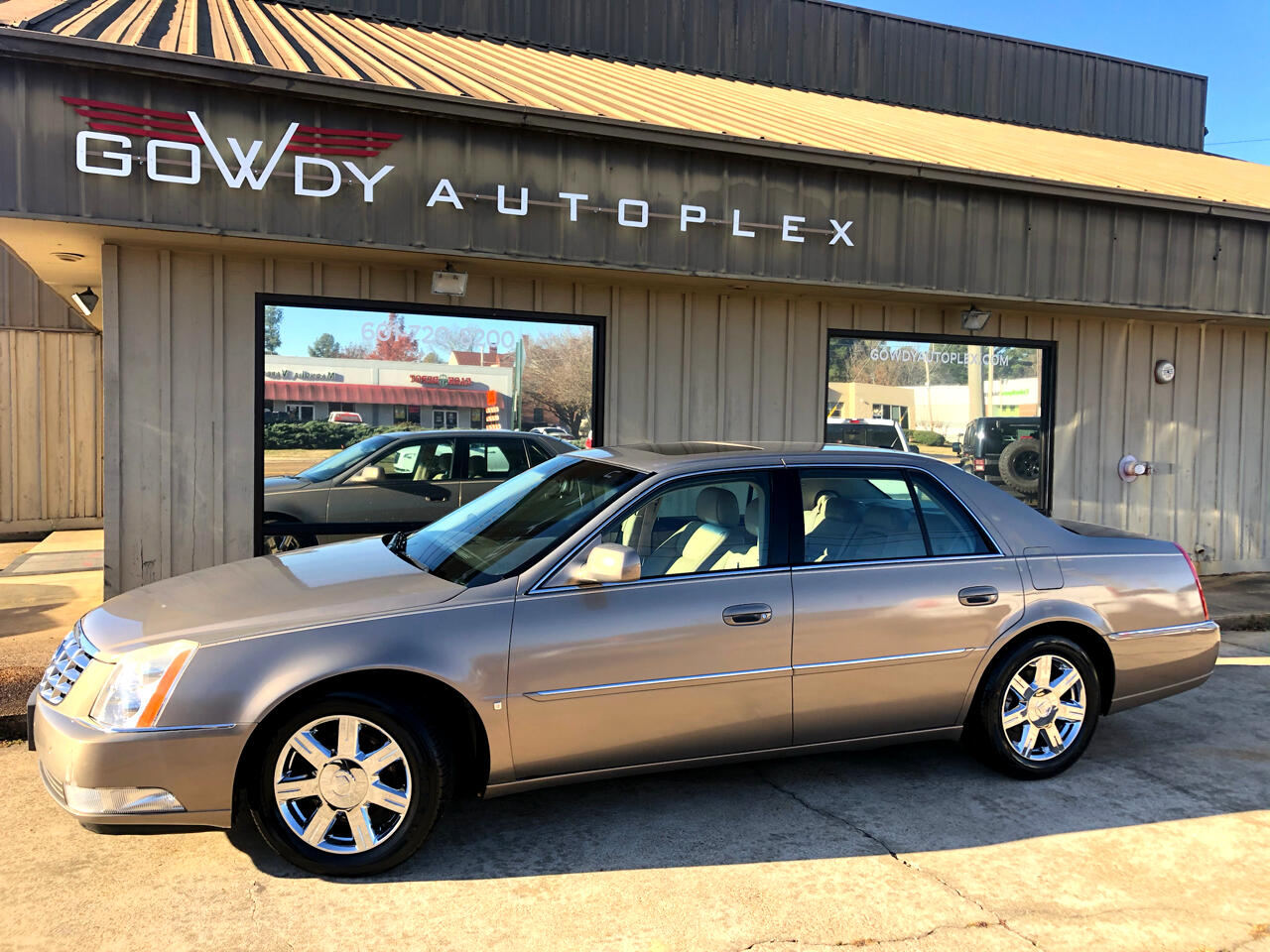 Cadillac DTS 4dr Sdn Luxury I 2007