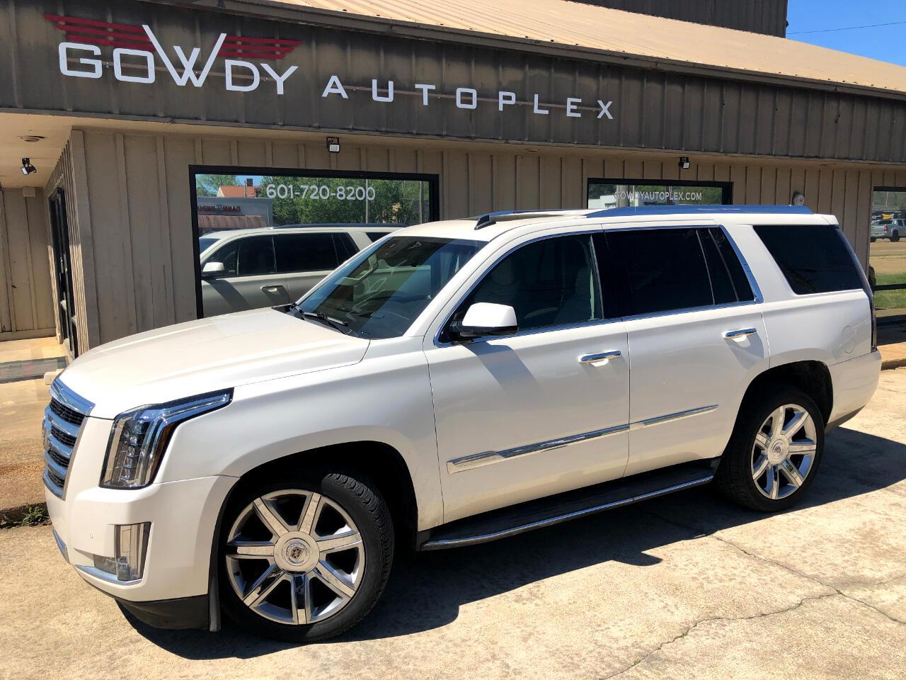 Cadillac Escalade 2WD 4dr Luxury 2015