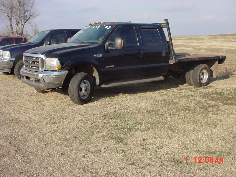 2003 Ford F-350 SD Lariat Crew Cab Long Bed 4WD DRW