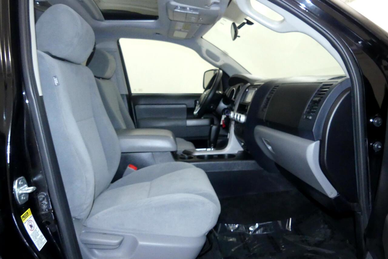 2017 Toyota Sequoia SR5 5.7L 4WD