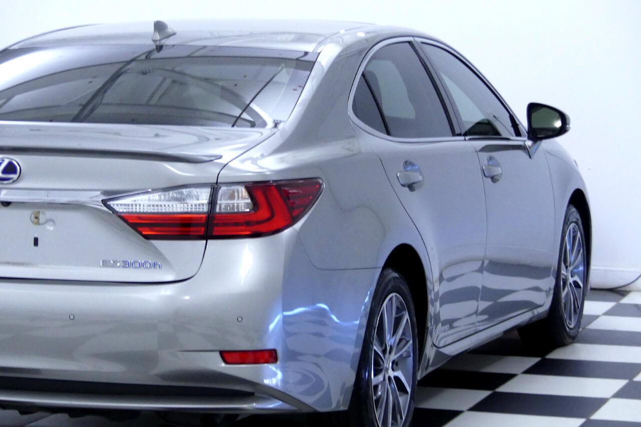 2016 Lexus ES 300h w/ Luxury Package