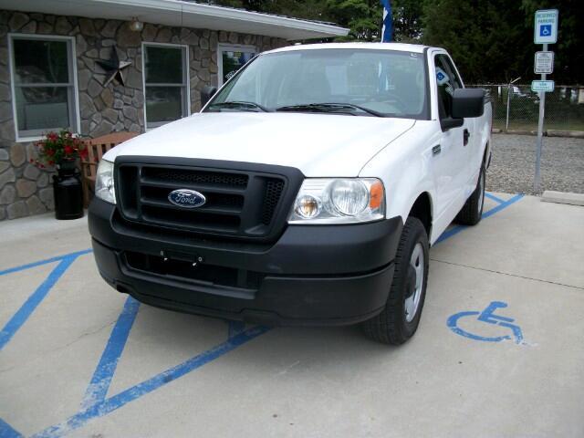 2005 Ford F-150 XL 2WD