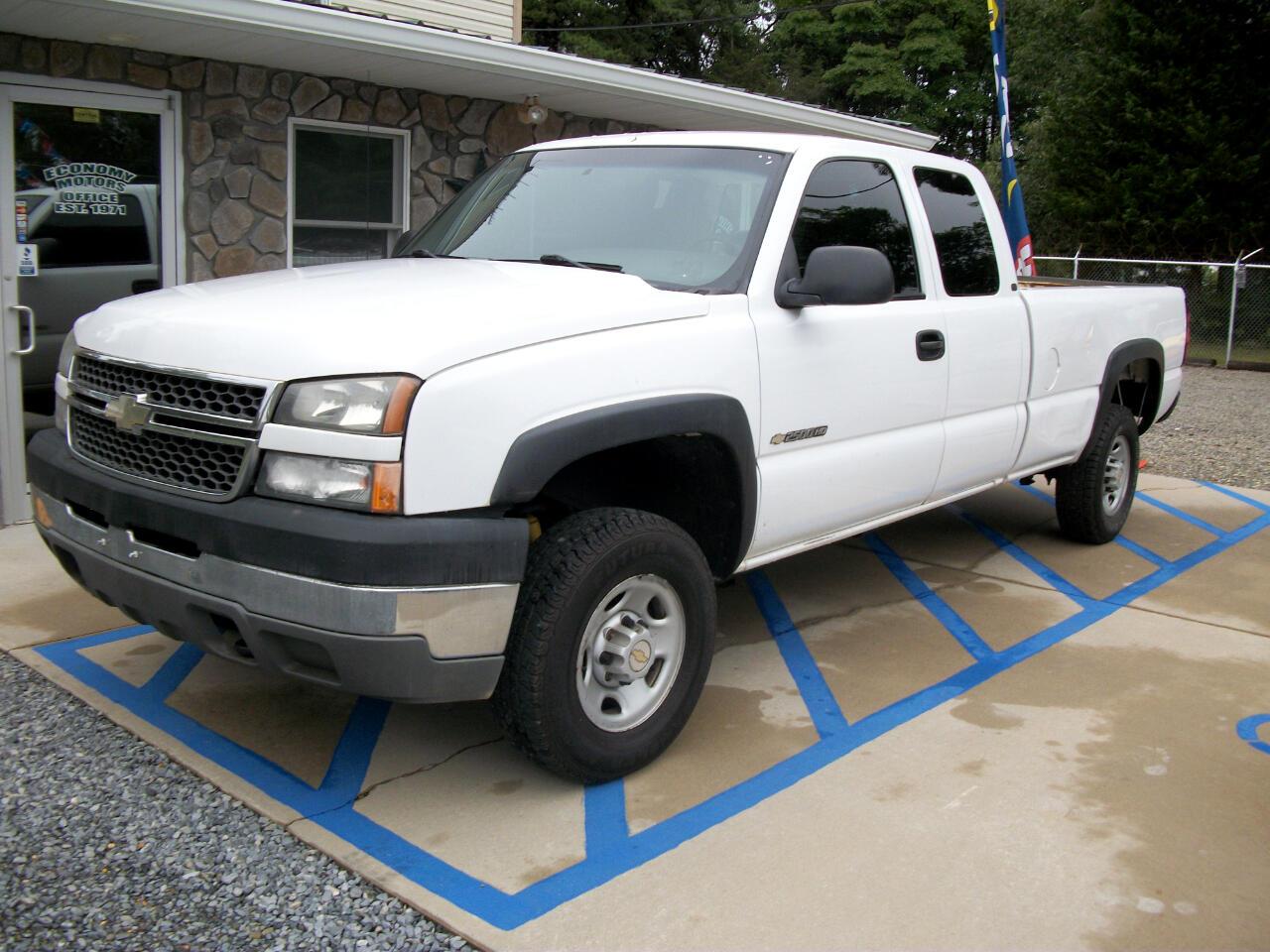 Chevrolet Silverado 2500HD LT Ext. Cab Long Bed 2WD 2005