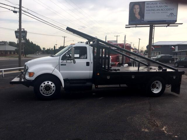 2008 Ford F-750 Regular Cab 2WD DRW