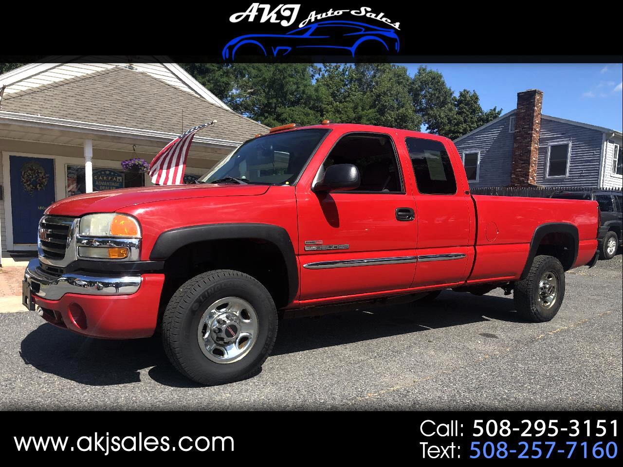2004 GMC Sierra 2500HD Ext. Ext. Cab Long Bed 2WD