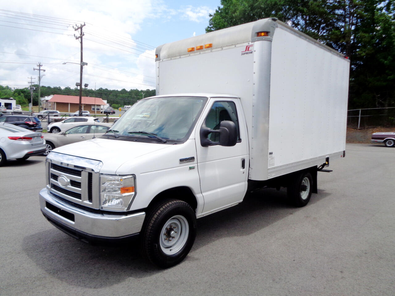 2014 Ford Econoline E-350 Super Duty Cutaway Box Truck