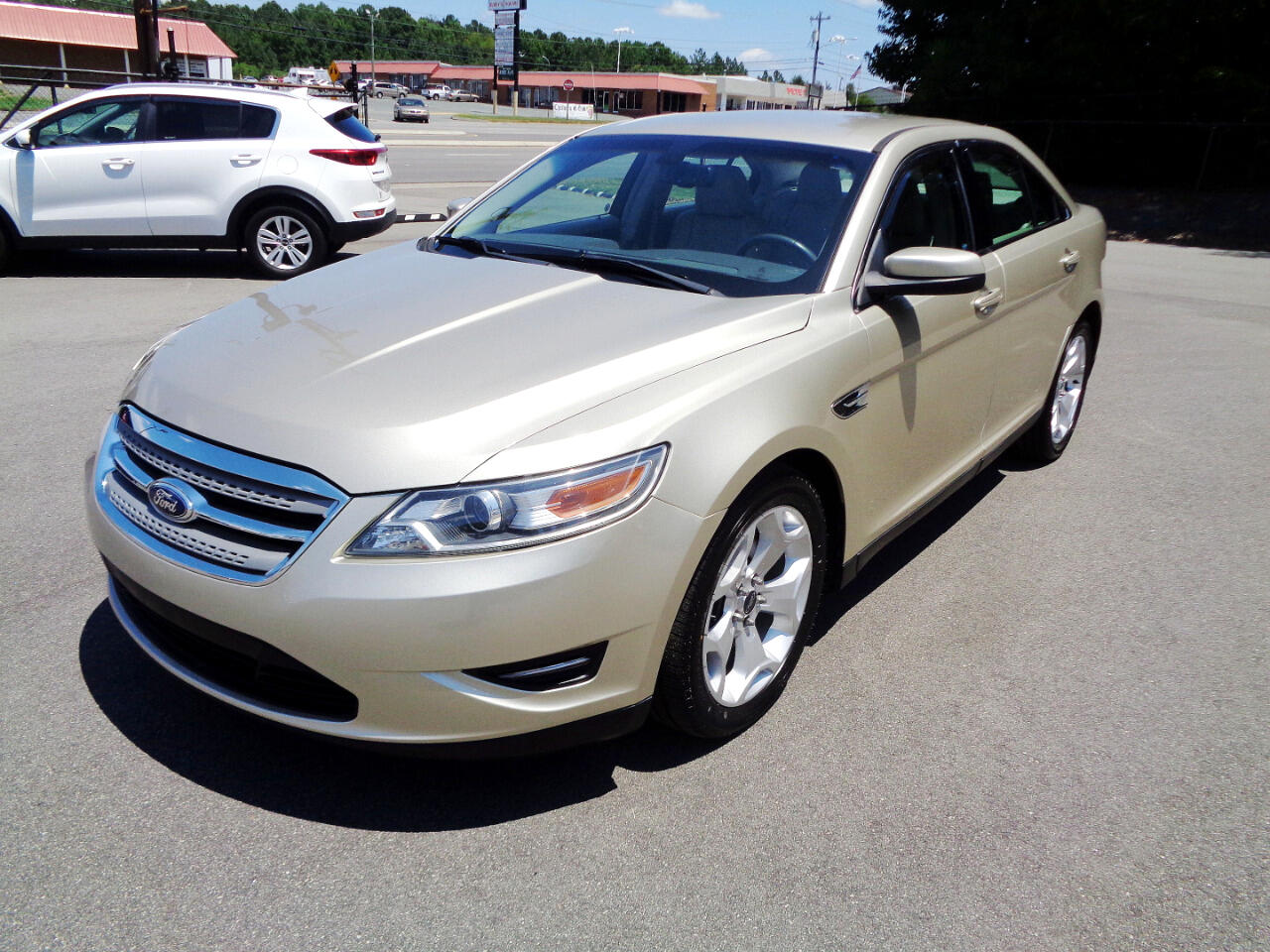 Ford Taurus SEL FWD 2011