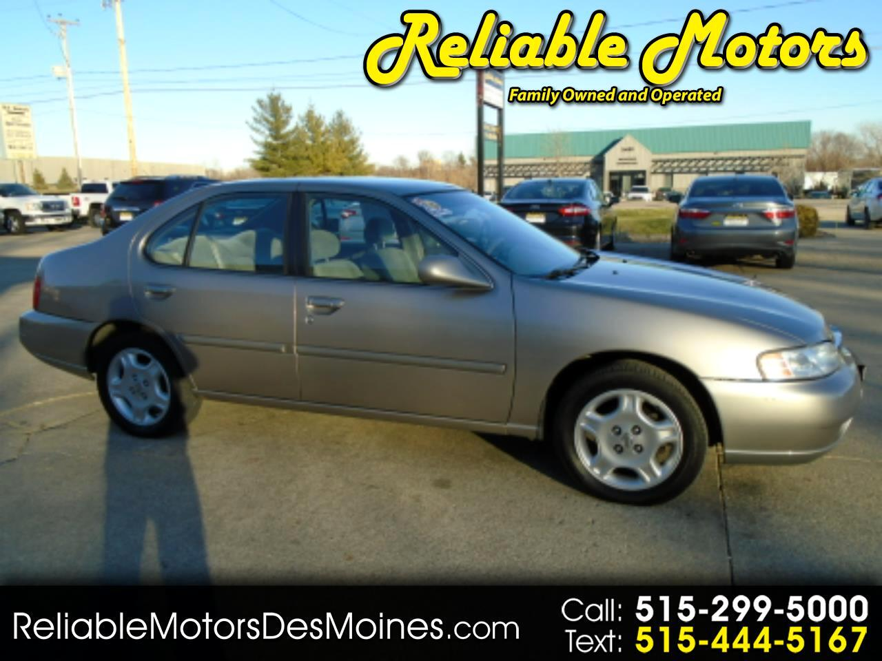 Nissan Altima 4dr Sdn GXE Auto 2000