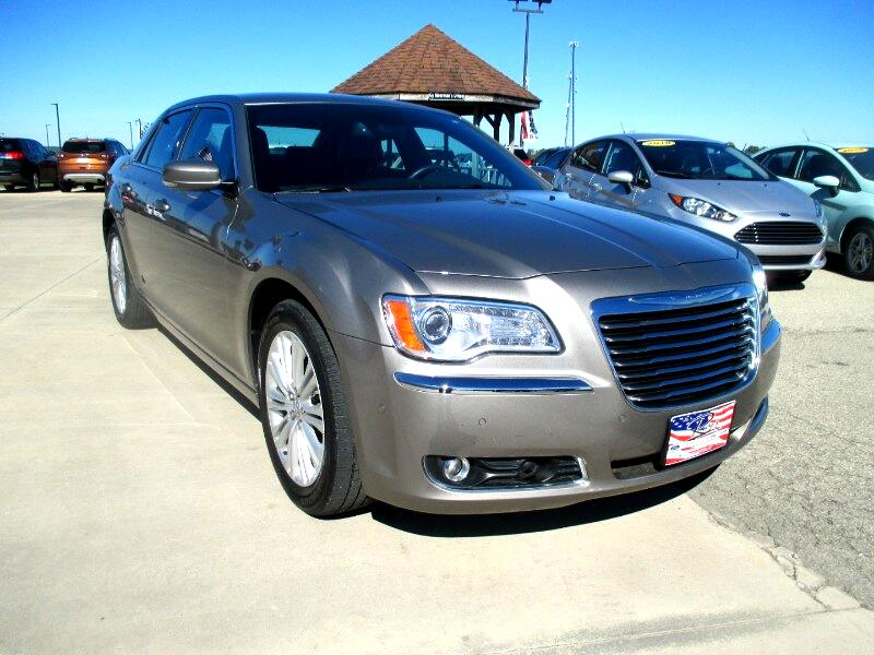 2014 Chrysler 300 4dr Sdn AWD