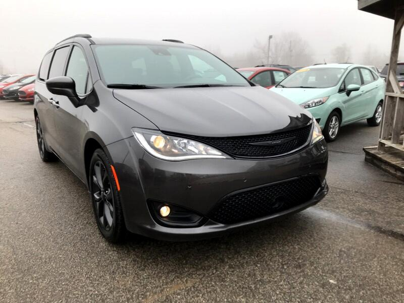Chrysler Pacifica Touring L FWD 2019
