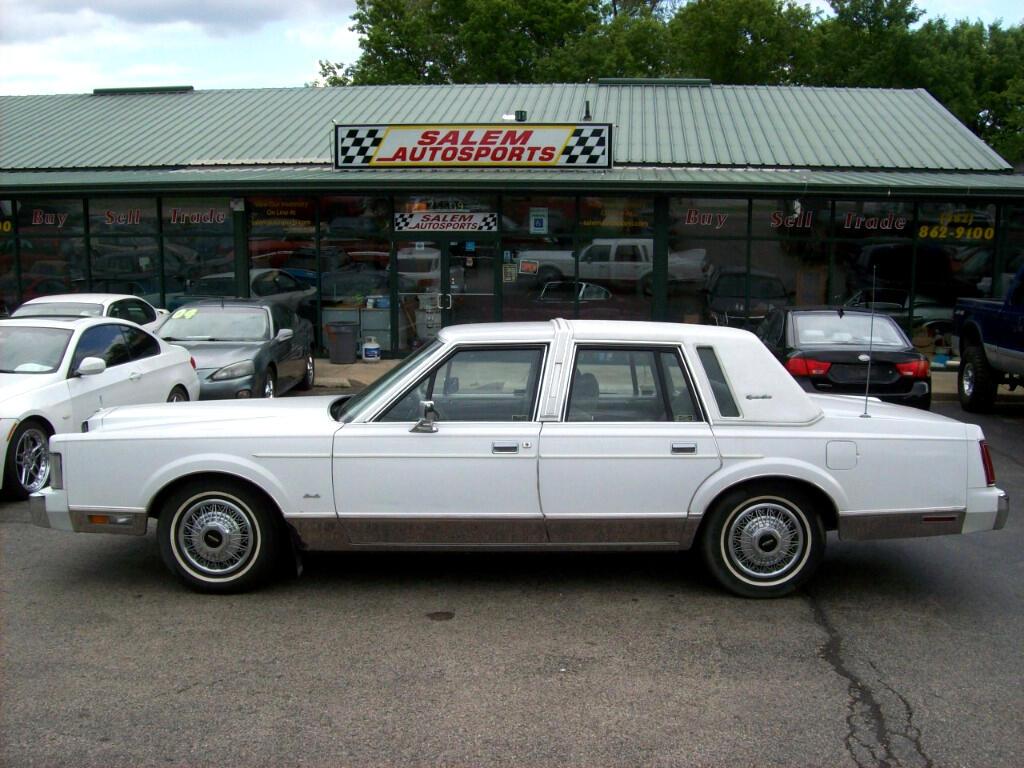 1988 Lincoln Town Car 4dr Sedan Signature