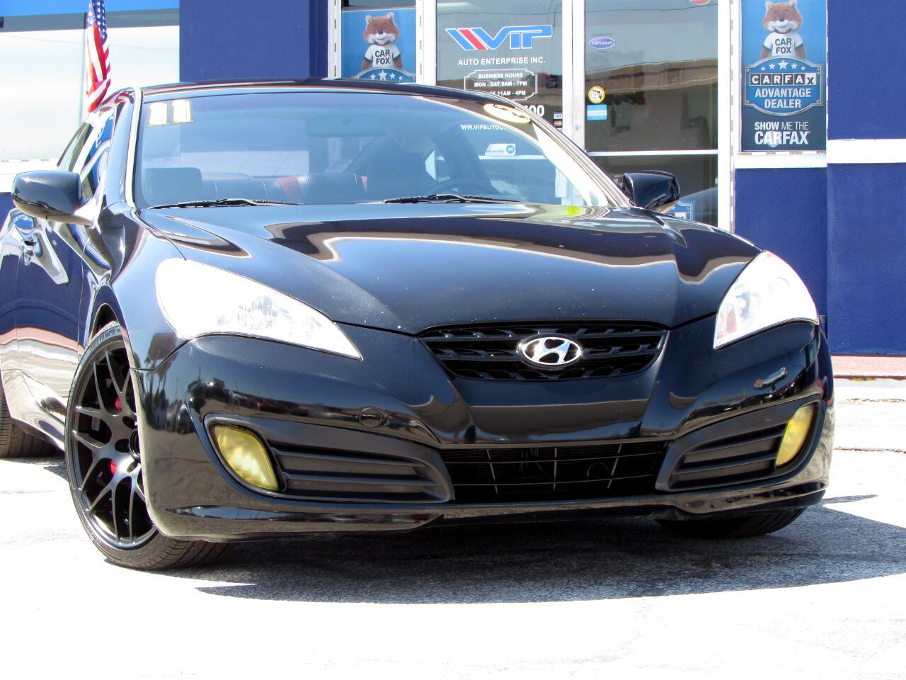 Hyundai Genesis Coupe 2dr 3.8L Man R-Spec 2011