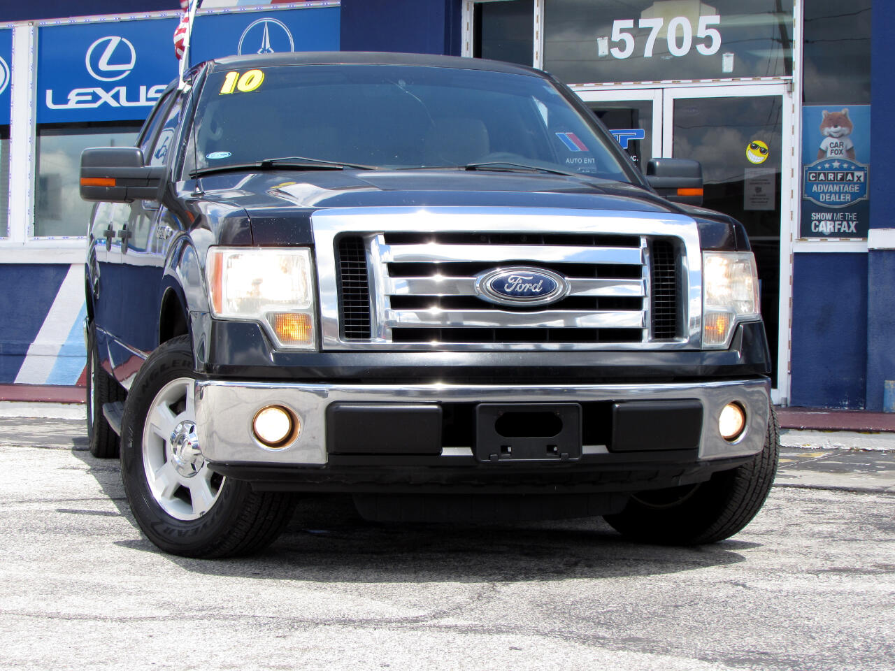 "Ford F-150 2WD SuperCrew 145"" XLT 2010"