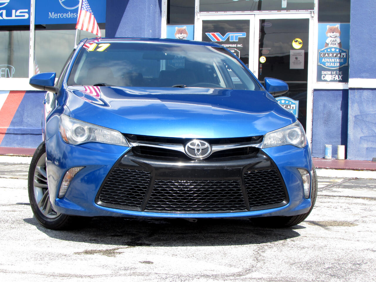 Toyota Camry SE Auto (Natl) 2017