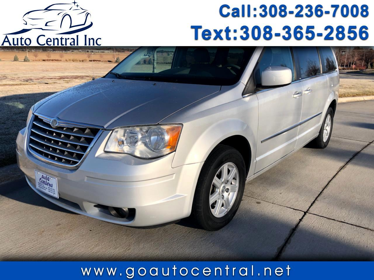 Chrysler Town & Country 4dr Wgn Touring 2010