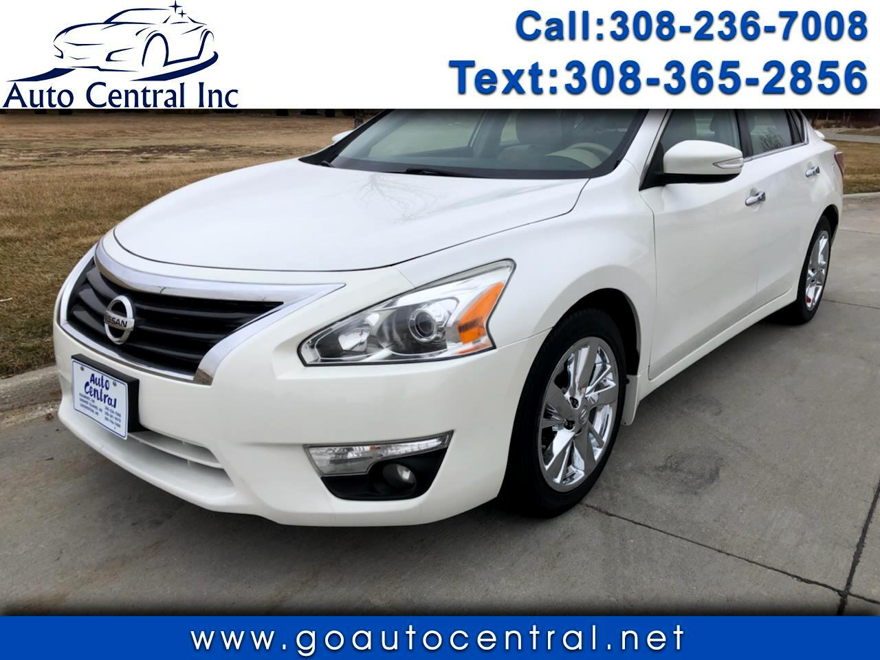 Nissan Altima Base 2013