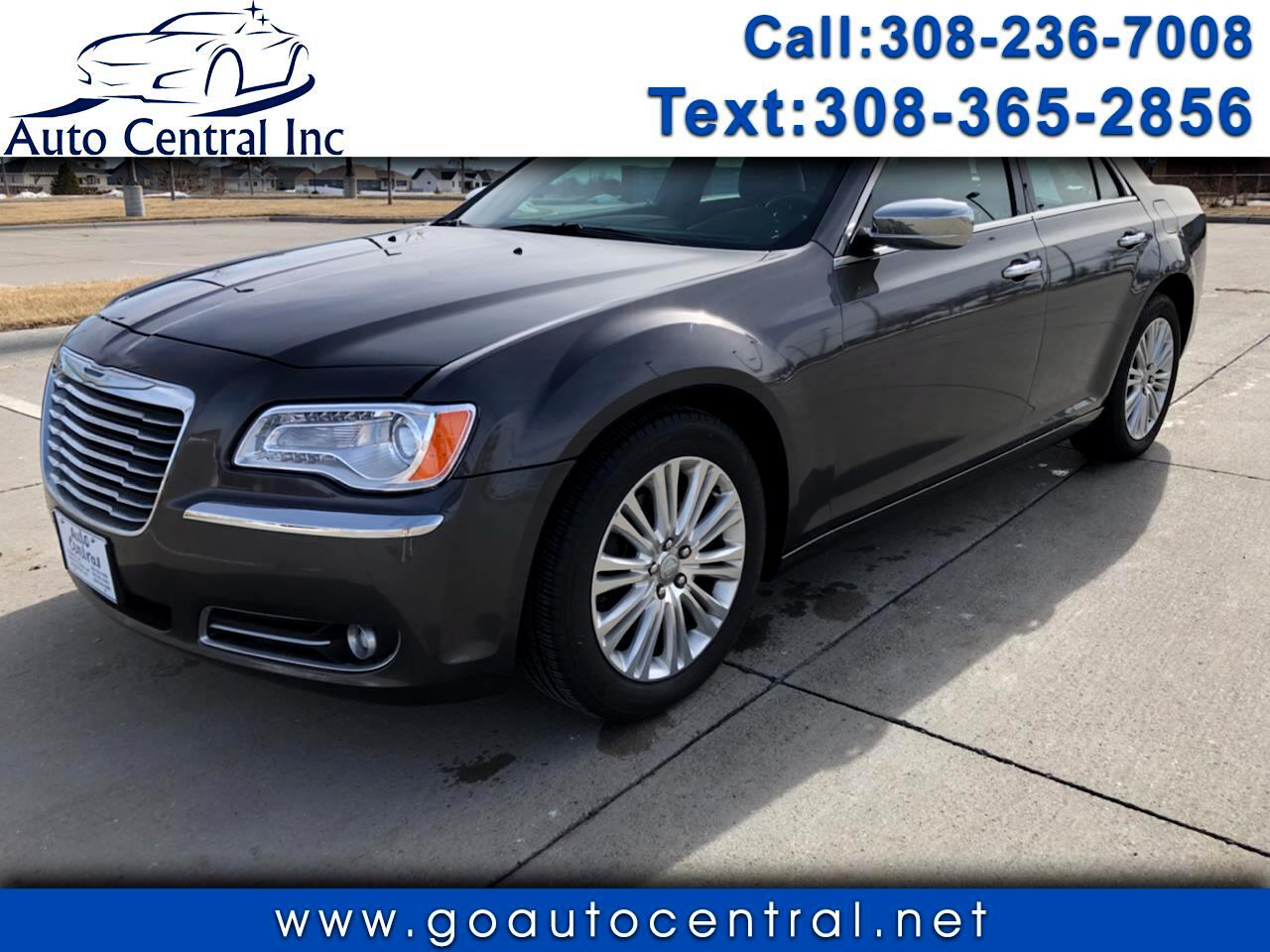 Chrysler 300 4dr Sdn 300C AWD 2013