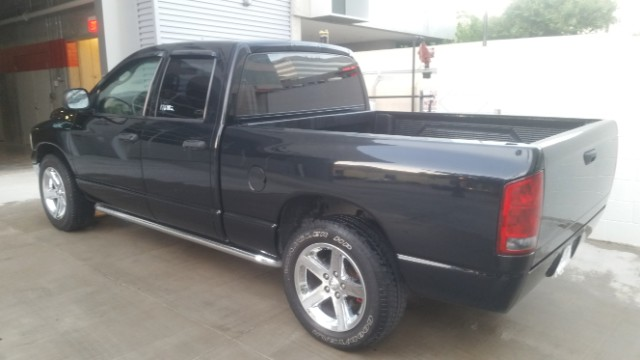 Dodge Ram 1500 Laramie Quad Cab Long Bed 2WD 2005