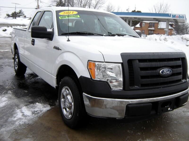 Ford F-150 XL SuperCab 6.5-ft. Bed 2WD 2011
