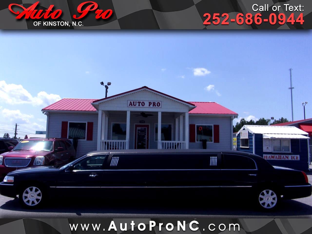 2007 Lincoln Town Car 4dr Sdn Executive w/Limousine Pkg