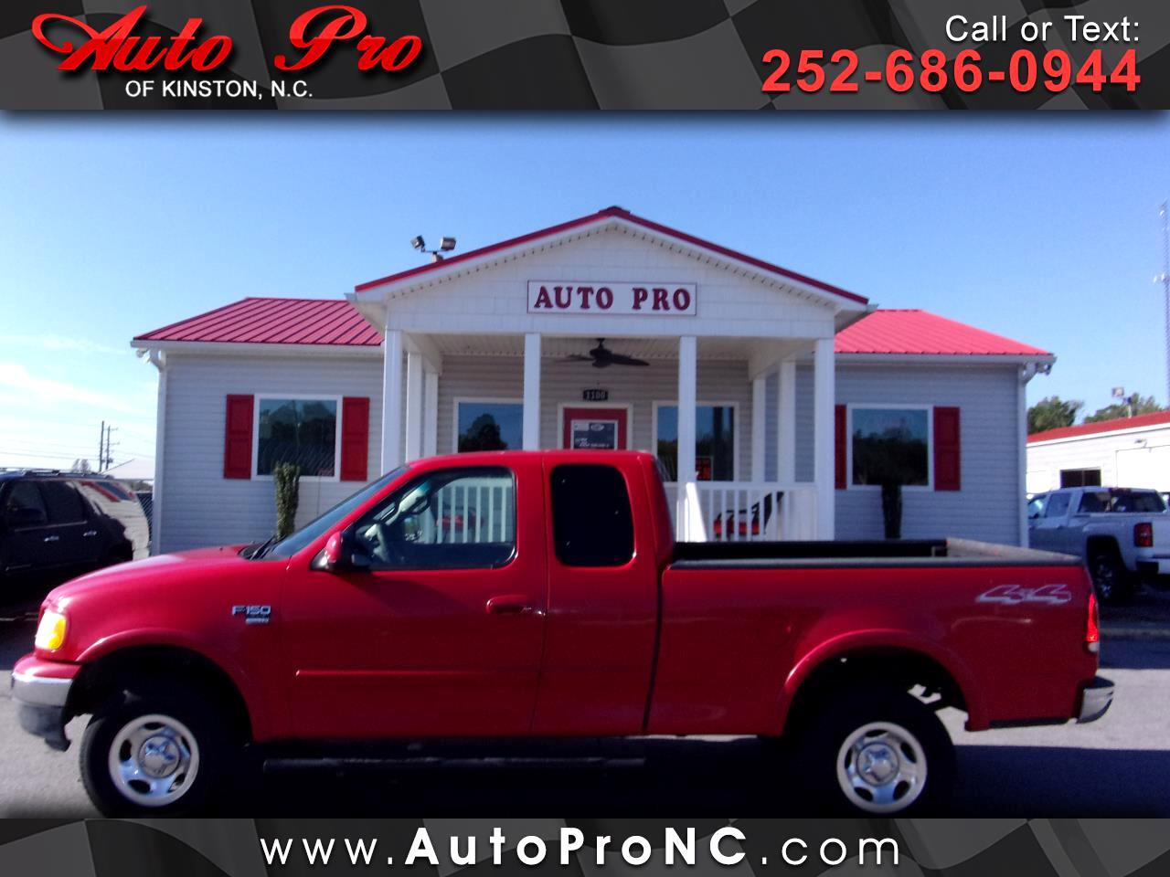 "Ford F-150 4WD SuperCab 133"" XLT 2002"