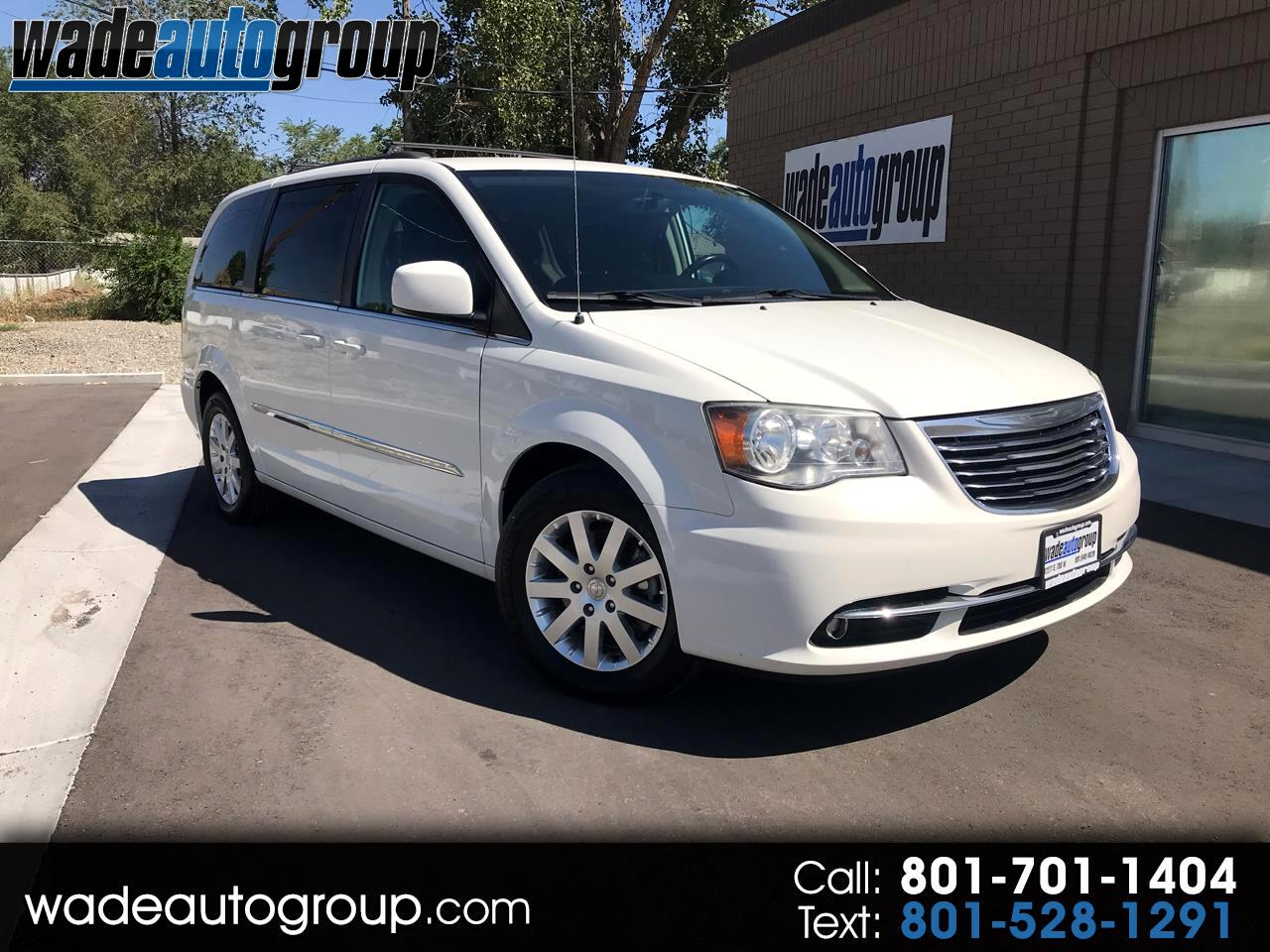 2013 Chrysler Town & Country Touring W/ Factory DVD