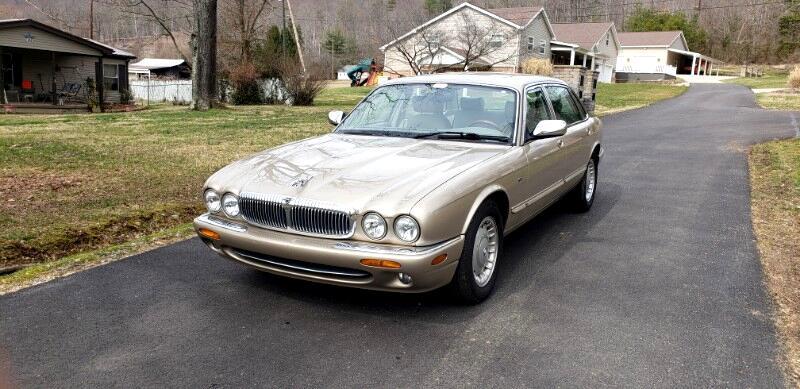 Jaguar XJ Sedan Vanden Plas 1999