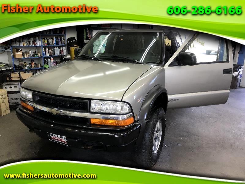 "2002 Chevrolet S-10 Ext Cab 123"" WB 4WD LS"