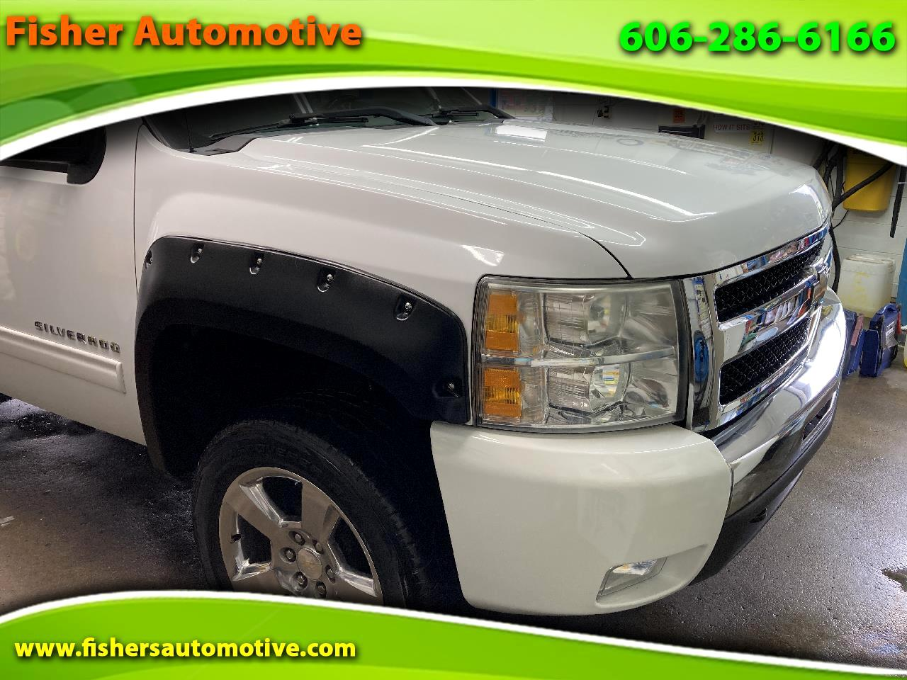 """Chevrolet Silverado 1500 4WD Ext Cab 143.5"""" LT 2011"""
