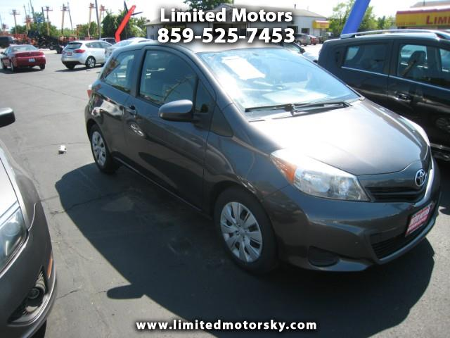 2012 Toyota Yaris L 3-Door MT